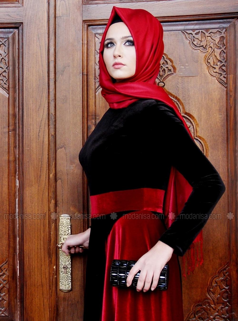 c1f6434c44a3f Gamze Özkul Hakim Yaka Bordo Siyah Şura Kadife Abiye Elbise | Ehl-i ...