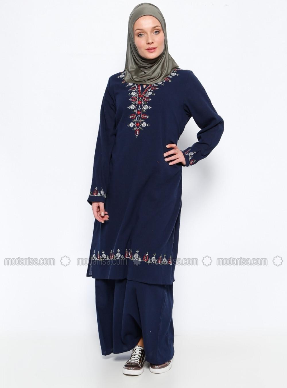 68309a0e42b12 Çıkrıkçı Şile Bezi Nakışlı Lacivert Elbise | Ehl-i Tesettür