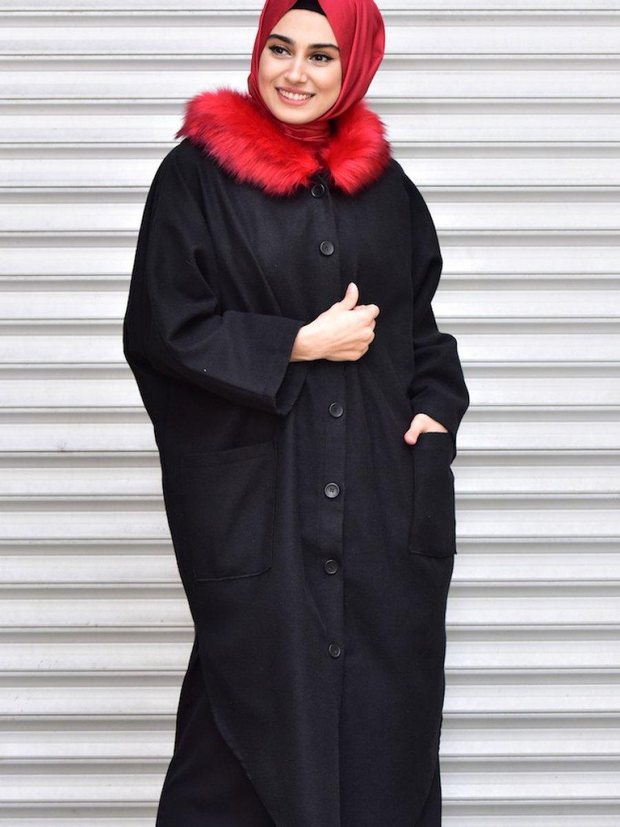 Sefamerve Kapüşonlu Kürklü Siyah Kırmızı Panço