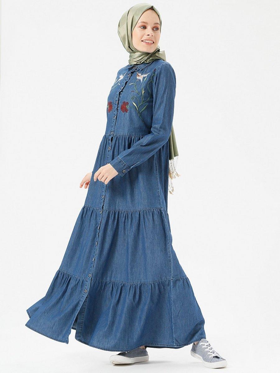 1ced8a17c657a Benin Doğal Kumaşlı Nakışlı Kot Koyu Mavi Elbise   Ehl-i Tesettür