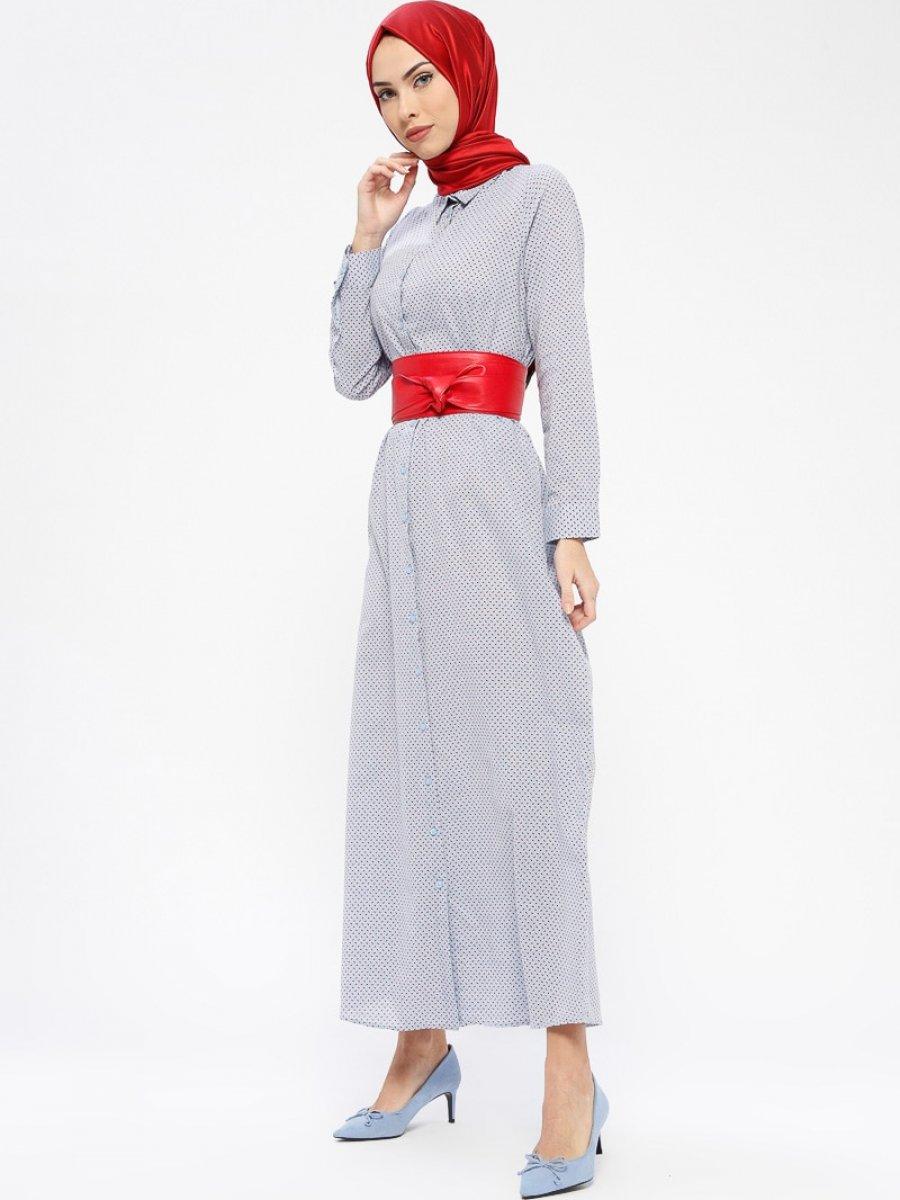 35d9b422eac9e Tavin Doğal Kumaşlı Boydan Düğmeli Mavi Kırmızı Elbise   Ehl-i Tesettür