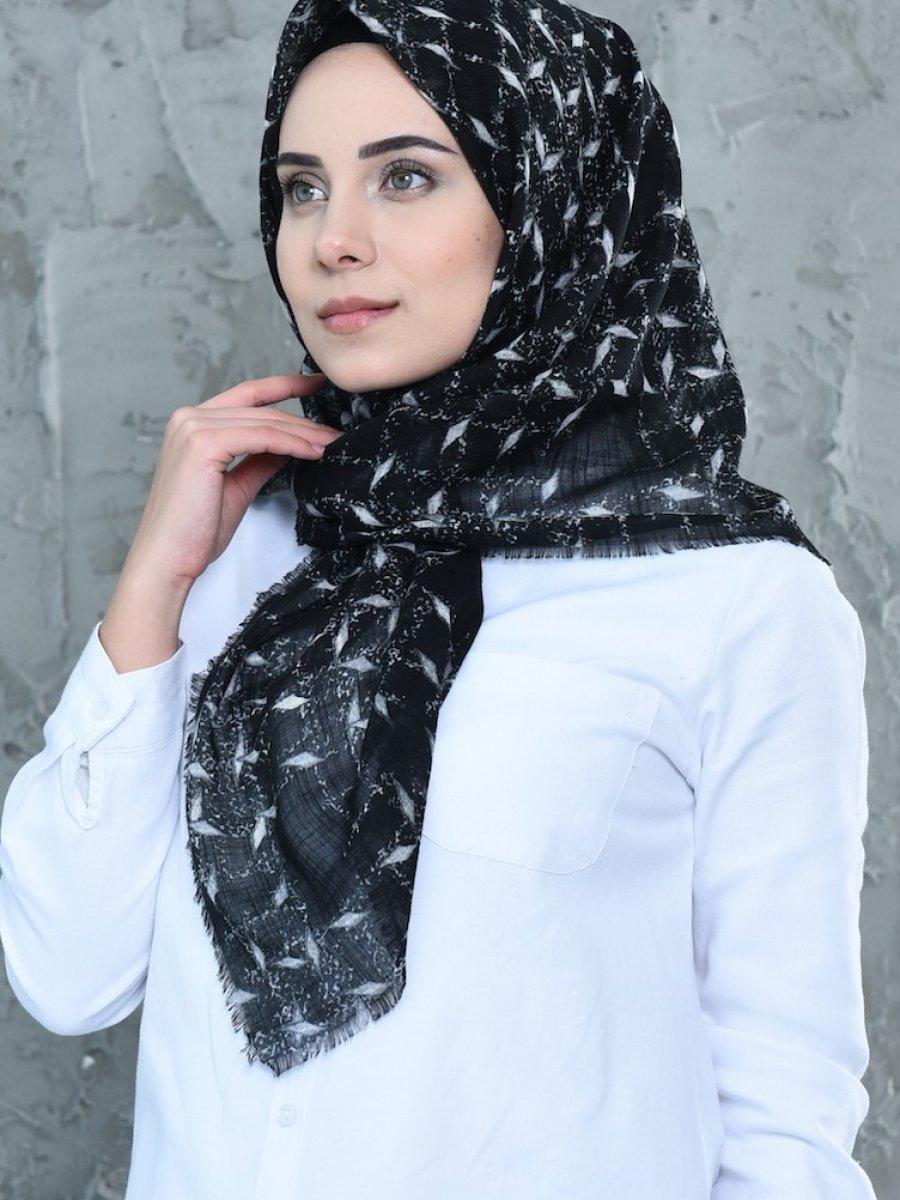 Sefamerve Siyah Beyaz Desenli Flamlı Cotton Eşarp
