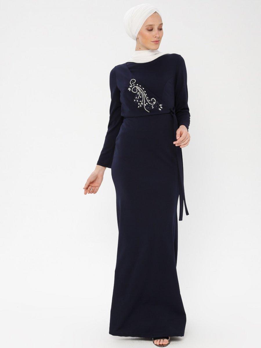 96118b80d682d Arin Taş İşlemeli Krep Balık Lacivert Abiye Elbise | Ehl-i Tesettür