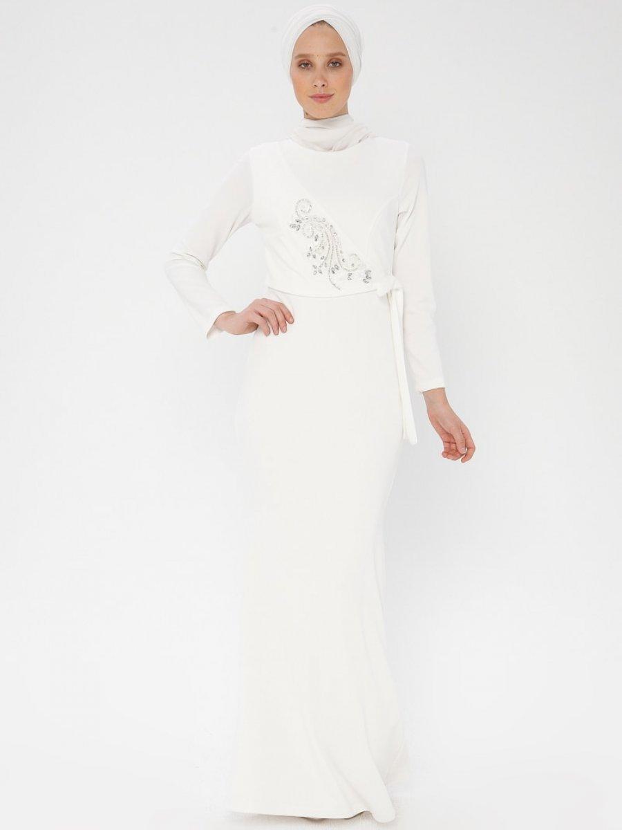 fe1cda5357f10 Arin Taş İşlemeli Krep Balık Ekru Abiye Elbise | Ehl-i Tesettür