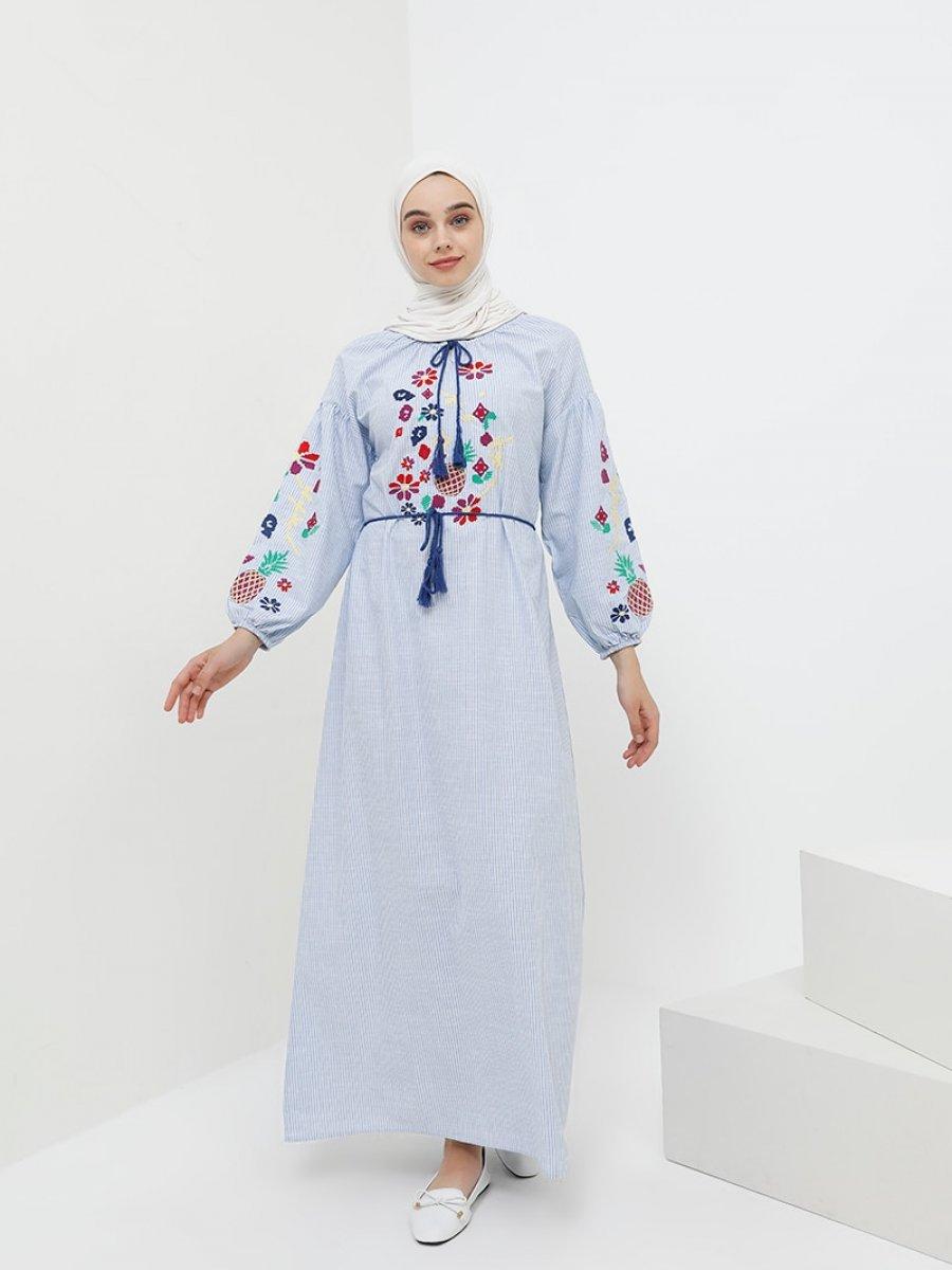 0914477e56dd5 Benin Doğal Kumaşlı Balon Kol Nakışlı Açık Mavi Elbise | Ehl-i Tesettür