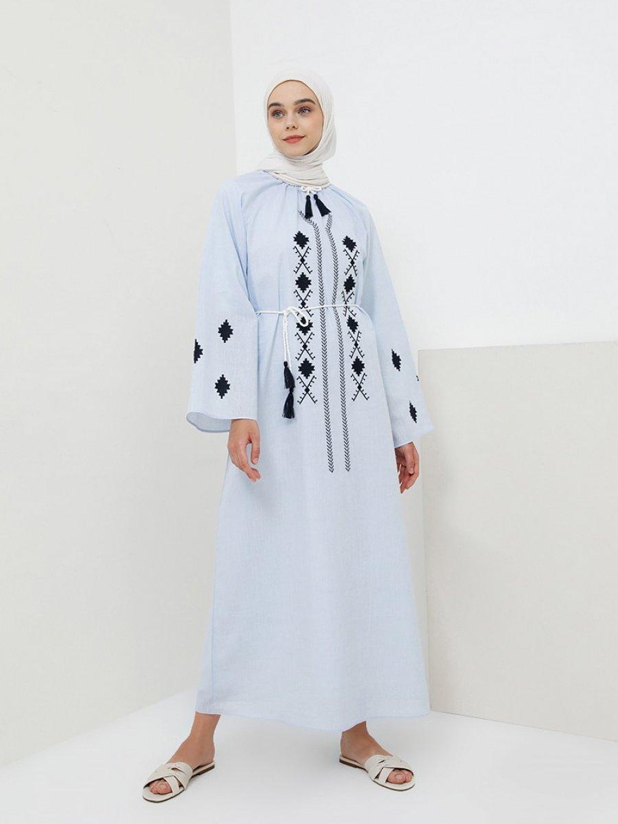 2b4d821cbf80d Benin Keten Görünümlü Nakışlı Açık Mavi Elbise | Ehl-i Tesettür