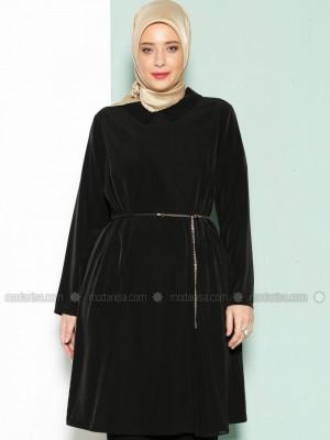 Plise Detaylı Siyah Tunik
