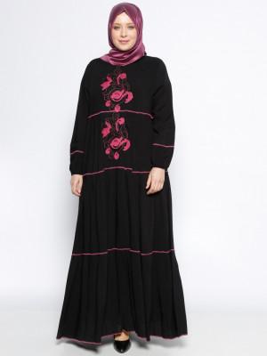 Nakışlı Siyah Fuşya Elbise
