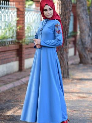 Nakışlı Mavi Elbise