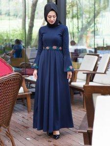 Nakış İşlemeli Lacivert Elbise