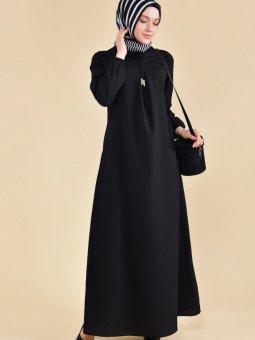 Önü Bağcıklı Siyah Elbise